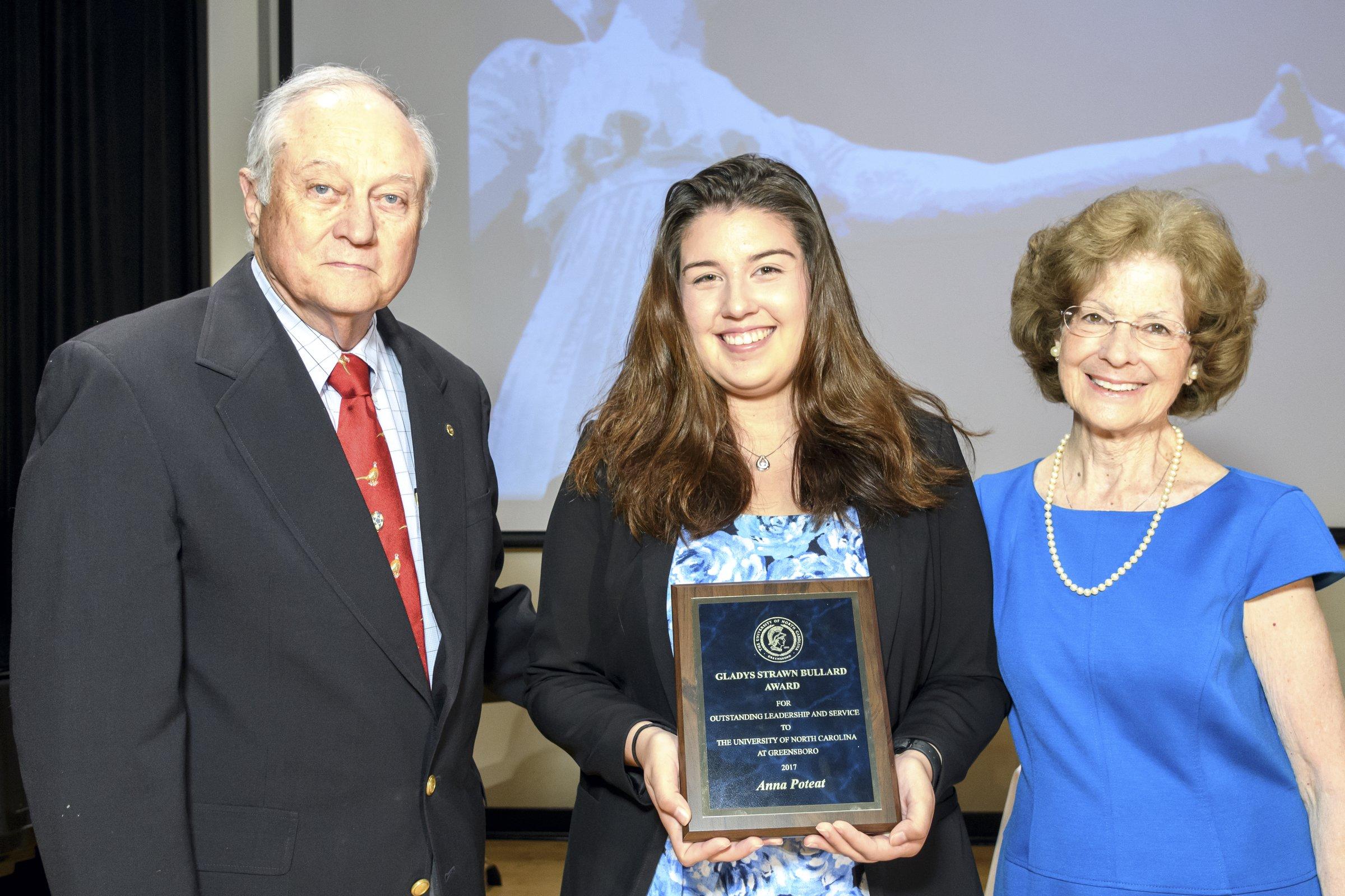 Photo of female award recipient